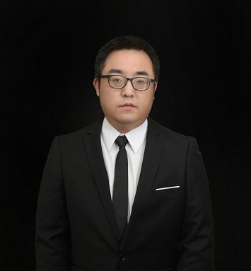李成:首席设计师